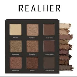 REALHER Shadow palette- Do Your Squats.